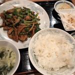 中華料理 豊楽園 - ニラレバセット ごはん おかわり無料 セットは 土日祝の夜 頼めません