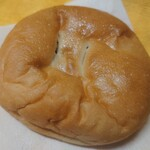 やおきパン - 窓付きあんパン