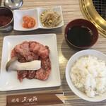 焼肉 三水苑 - 和牛カルビランチセット1300円ですです