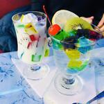 喫茶 ソワレ - キラキラで映え映えなゼリーポンチとゼリーヨーグルト☆彡