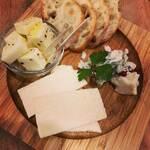 サン オブ ザ サン キッチン - チーズの盛り合わせ