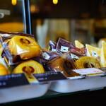 スクエアカフェ - 長野県知事賞受賞の浅間小町たまごを使った焼きドーナツ