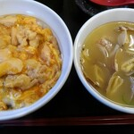 なか卯 - 料理写真:親子丼とアサリうどん