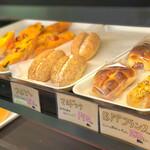 ベイク オカジマ - 夕方にはほとんどパンはありません(>_<)
