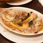 イタリアン酒場「ナチュラ」 - 牡蠣のアヒージョ