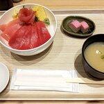 魚力食堂 - 本鮪と目鉢鮪の鉄火丼(小盛)(2020.1)