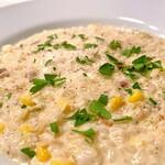 サポセントゥ ディ アキ - キャベツとベーコン・コーンのリゾット。ベーコンが少なめな分脂っこさ抑えめのすっきりと食べやすいチーズリゾット。