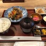 アコメヤ食堂 - 鶏と野菜の黒酢あん御膳