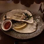セラ・アンフィニィ - 三陸の牡蠣は残念ながら在庫が払底していて最後の一個。