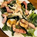 CONA - ほうれん草と生マッシュルーム厚切りベーコンのサラダ