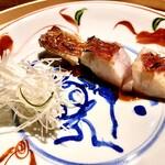 125484261 - 金目鯛の焼物 〜お店の定番料理だが、今夜の金目鯛はさらに脂がのって焼き加減も絶妙。サクッとした食感からモチッとした味わいに変化する。