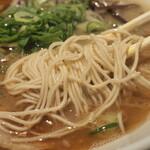 博多ラーメン 駿蔵 - 麺