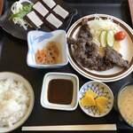 竹トンボ - 料理写真:鯨定食