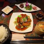 彩華 - とってもやわらか 黒酢風味バラ肉スブタセット