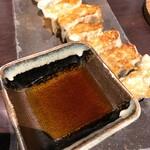 旬の鮮魚と魂の煮込み ぶん福茶がま - 焼き餃子