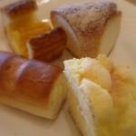 ブレッテリア - 食べ放題のパンの数々2