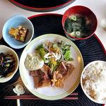 おかず厨房 - 厚切豚の和風ステーキ定食(大盛り)