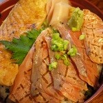 寿司けん - 鮭ハラス照り焼きと炙りサーモン丼