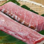 おたる政寿司 - 鮪の旬である11月に買付したカナダ産天然本マグロを一年を通して提供