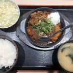 125509281 - 牛味噌煮込みロースかつ定食(730円)