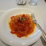 トゥ・ザ・ハーブズ - 完熟トマトとベーコンのトマトソースパスタ ランチセット980円