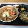 四季蕎麦 - 料理写真:バラ焼き丼セット!お新香、生卵、甘味もついて立食い系では豪勢なセット!!