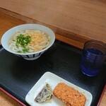 さぬき路 - 料理写真:かけうどん(小)+天ぷら(一皿)
