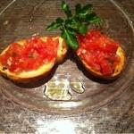 トラットリアプレッツァ - トマトのブルスケッタ