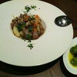 トラットリアプレッツァ - 牛スジ肉と野菜の煮込み ローマ風