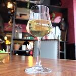 attic room GINZA AMENITE  - グラスワイン(300円)