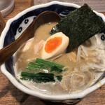 Torisobajiyuubanichikoro - 煮干し中華そば900円