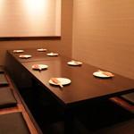 鉄板焼 ろじ - ゆっくりと出来る半個室の掘り炬燵席は8名×1、4名×1です。接待などに!