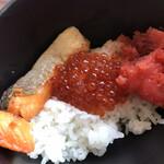 テンクウ - 朝食ビュッフェ2800円(総額)。いくら、焼き鮭、明太子をご飯にのせました。とても美味しくいただきました(╹◡╹)