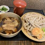 村山 満月うどん - 【2020.2.6】肉・きのこつけうどん900円+大盛り(3玉450g)120円 極太麺。