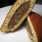 岡山夢菓匠敷島堂 - 夢どら しろあずき。中にはしろあんです!これが美味っ