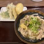 125561089 - 豚肉うどん(小)¥790と野菜天¥300