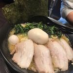 まんぷく家 - 特製ラーメン(大盛)