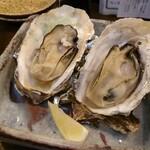 かき小屋袋町 海平商店 - 焼き牡蠣(2個)