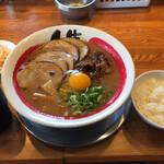 徳島ラーメン人生 - 徳島ラーメン肉祭り(全部入り)1,020円