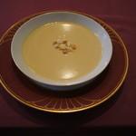 シェ・ワタナベ - スープ:コーンスープ