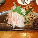 旬菜酒房 彦べえ - 真鯛の刺身(680円)