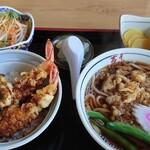 そば処 吉ろべ衛 - 料理写真:海老天丼に合わせたうどん