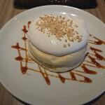 高倉町珈琲 - 特製クリームのリコッタパンケーキ