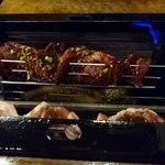 ソウルソウル - 料理写真:お肉などを串に刺してセットすると自動でくるくる回って全面綺麗に焼ける装置