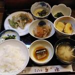 豆狸 - 料理写真:日替わり定食