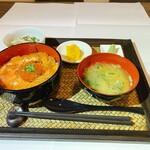 海鮮みらい - 鮭刺身・いくら丼定食