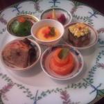ストラスジュール - 料理写真:当店の一番人気メニュー 「季節のオードブル6点盛り」