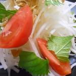 犇和 - 大根サラダ