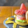 ピギーキャットダイナー - 料理写真:イチゴバーガー