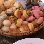 カンパーニャ - 食べ放題のパン